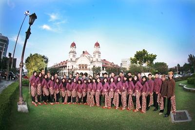 Il Coro dell'Universita Diponegoro, Indonesia